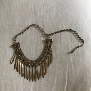 Jewelry - Gold toned choker necklace